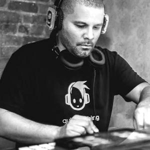 DJ Izzy E